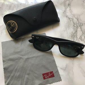 Ray-Ban Wayfarer Classic Sunglasses.